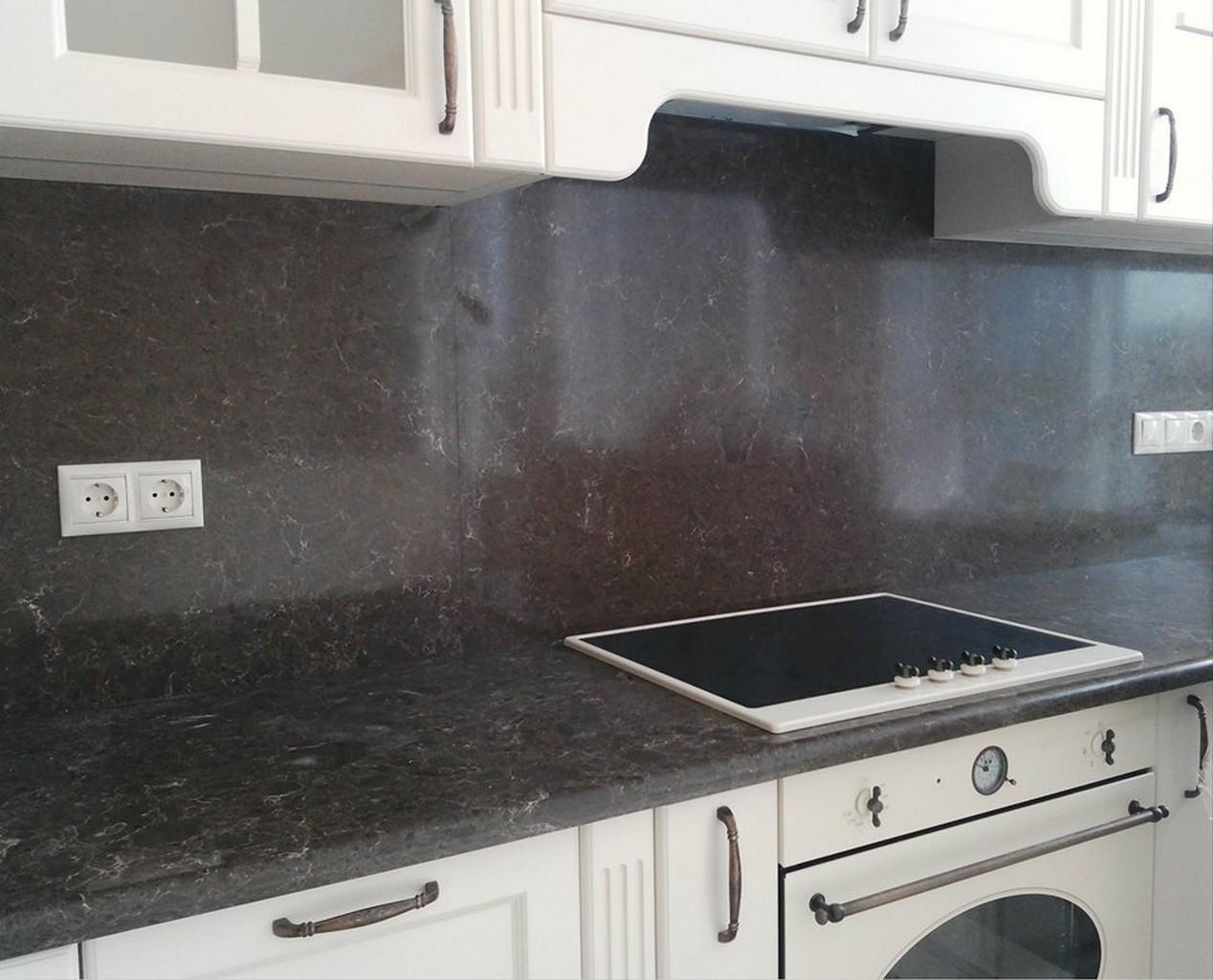 Стеновая панель и столешница из искусственного камня для кухни